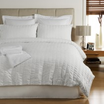 300 Thread Count Egyptian Cotton Seersucker Design Duvet Cover and Pillowcases Set